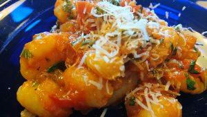 Gnocchi med hemgjord tomatsås