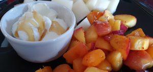 Stekt frukt med yoghurt